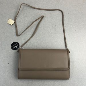 NEW Vintage Ande Taupe Leather Crossbody Bag